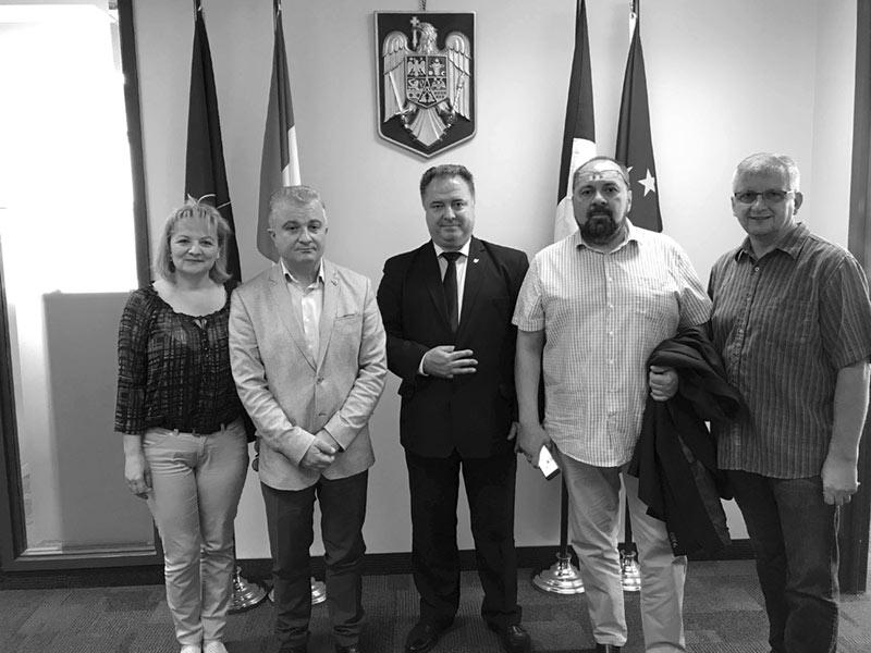 Revista Tribuna – ambasador al culturii românești peste ocean