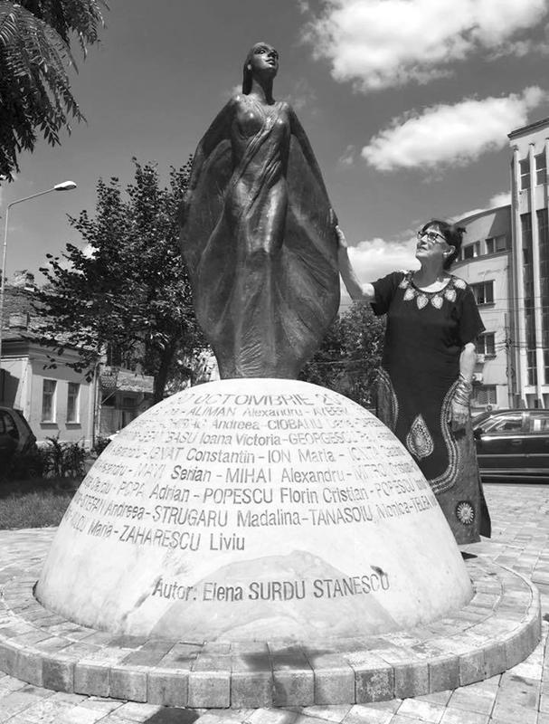 Lumea Elenei-Surdu Stănescu