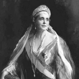 Regina Maria – scriitor