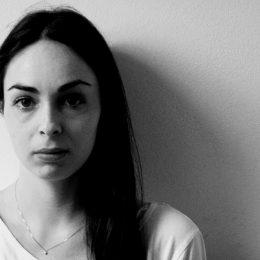 Lara Monica Costa (Ipoteze despre o analiză) – Mai presus de urme
